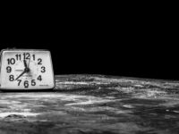 B&W Clock - good